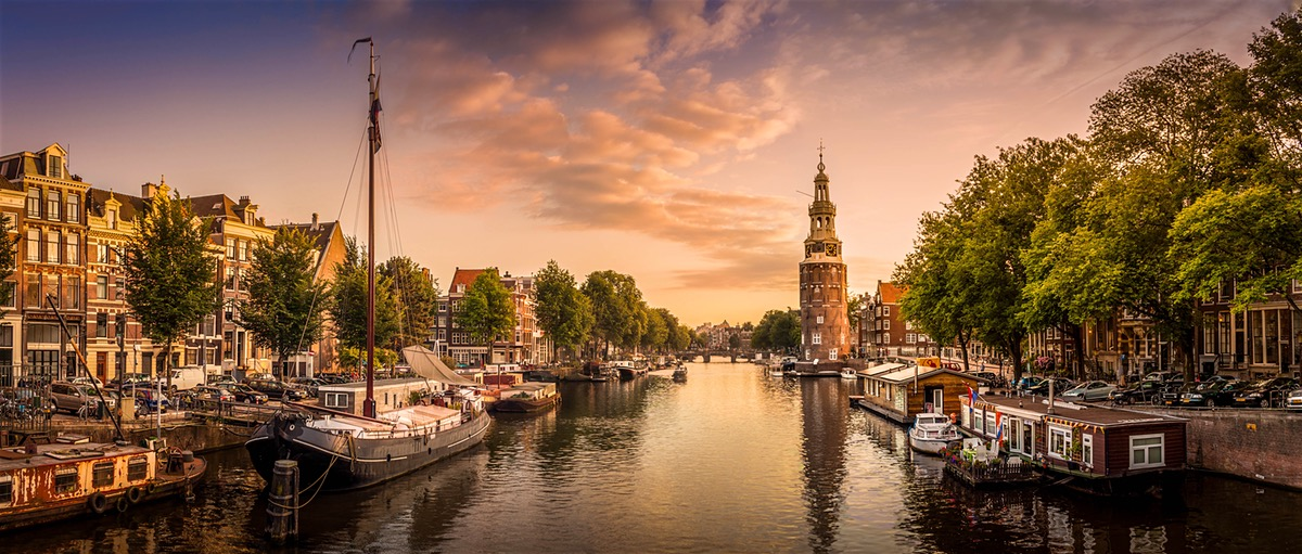 stock-photo-beautiful-amsterdam-76796579.jpg