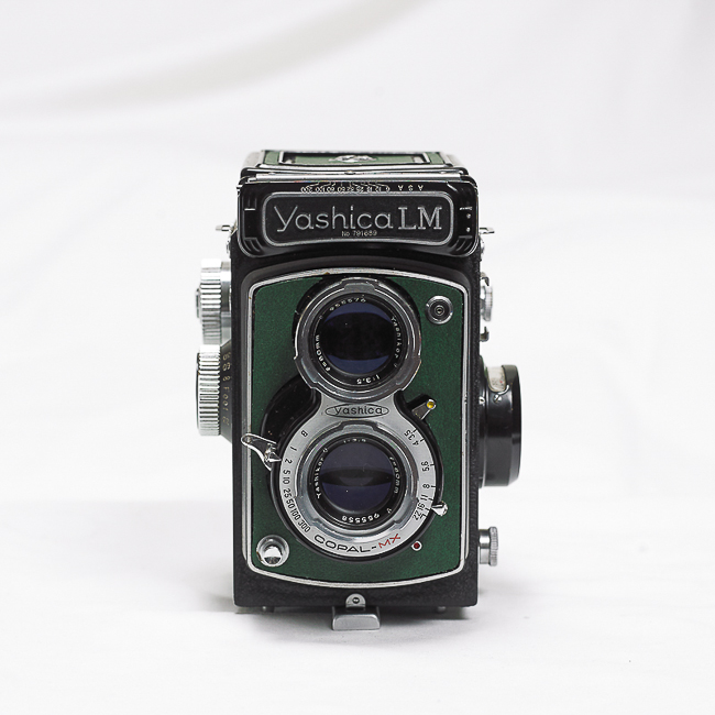 (Sold) Yashica LM green leather TLR, 80mm f3.5 Yahikor / Leather case included