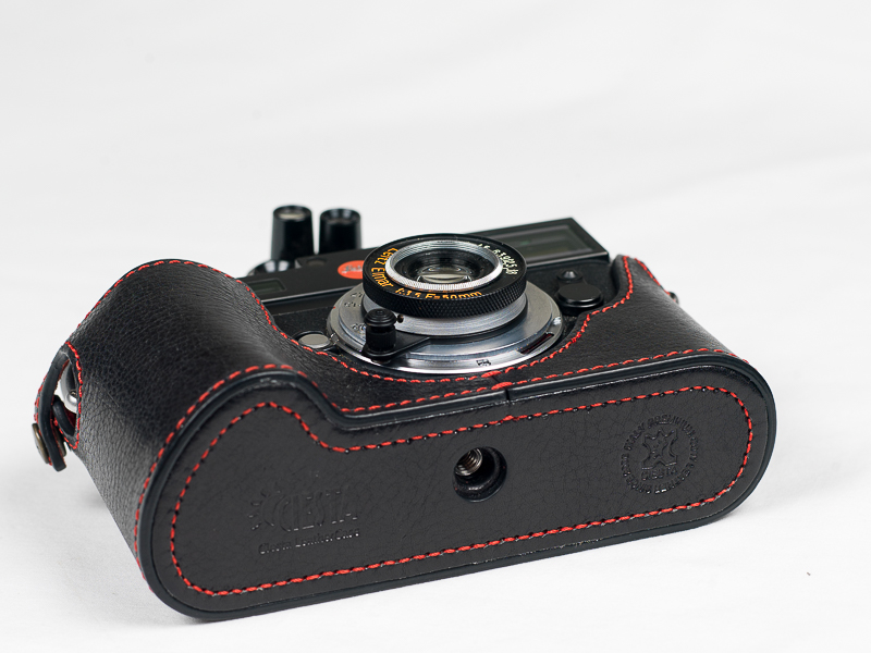 Leica M8 body with leather case (half)